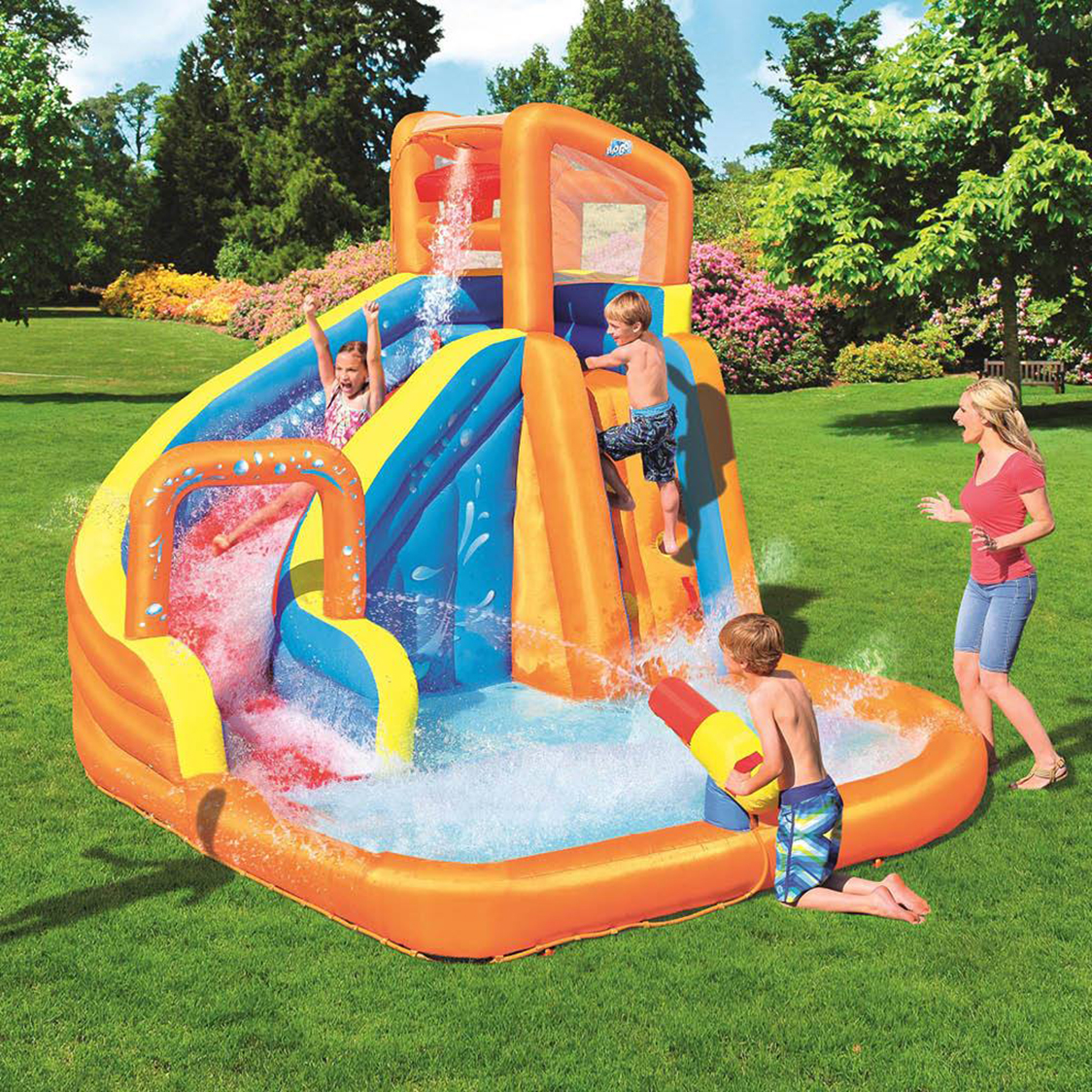 Inflatable pools with slide